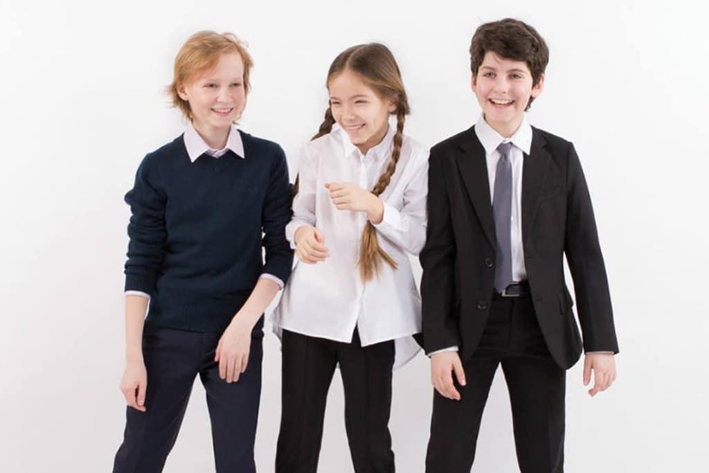 SHkolnaya-forma-ButtonBlue Известные бренды школьной формы